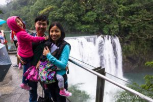 Shifen Waterfall with kids